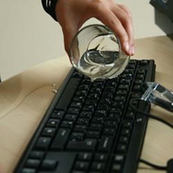 HP cho ra mắt bàn phím chống thấm nước mới