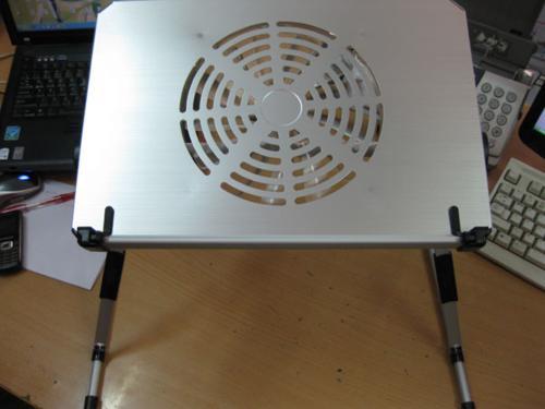 Bàn kê laptop  siêu nhẹ có quạt tản nhiệt