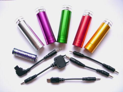 Sạc đa năng bằng pin tiểu - Sạc đa năng bằng pin AA - AAA