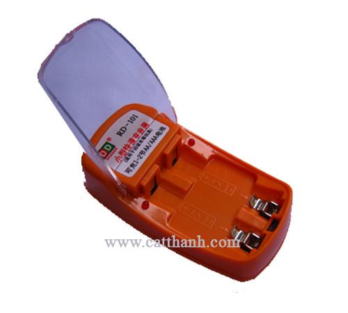 Sạc pin đa năng RD101